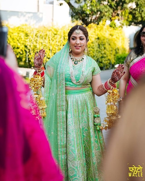 3 lehenga colours for a day wedding