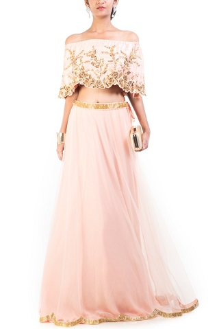3 reception outfits for the bride