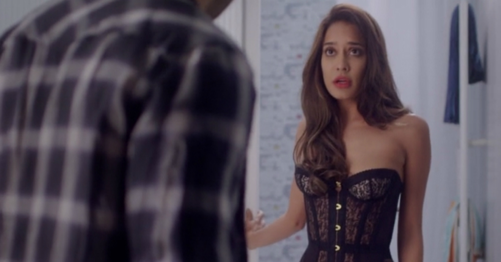 21 Real Thoughts EVERY Girl Has During 'First Time' Sex!