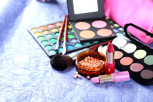 10 mistakes when buying makeup