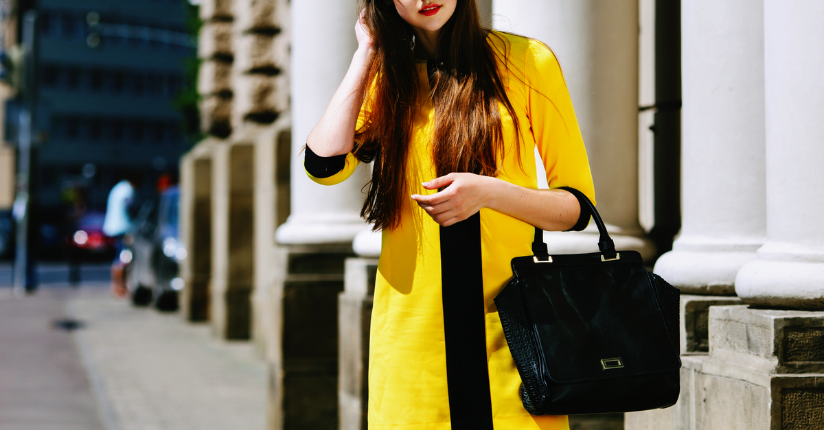 10 Fabulous *Black* Handbags That Go With EVERY Outfit!