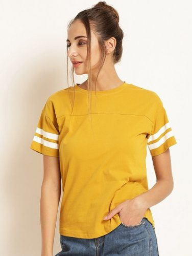 sporty-tshirt-tops -to-make-you-look-slimmer