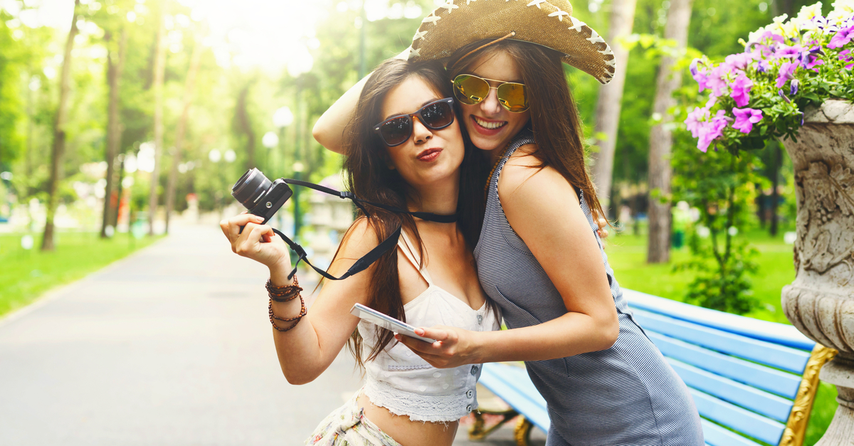 10 Things Every Girl MUST Do With Her Bestie - At Least Once!