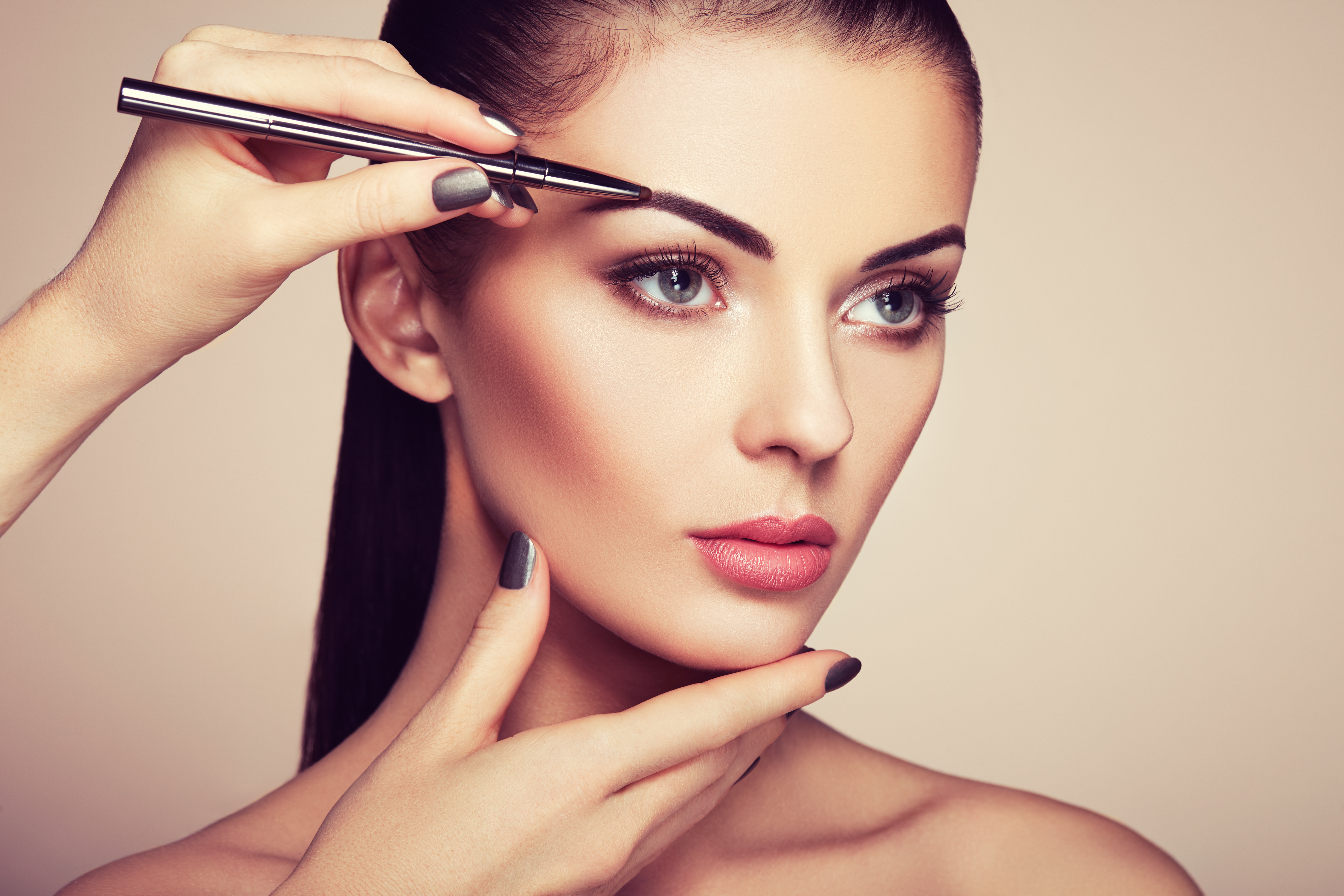 10 - latest beauty trends - eyebrows