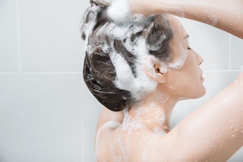 5 healthy hair shampooing hair