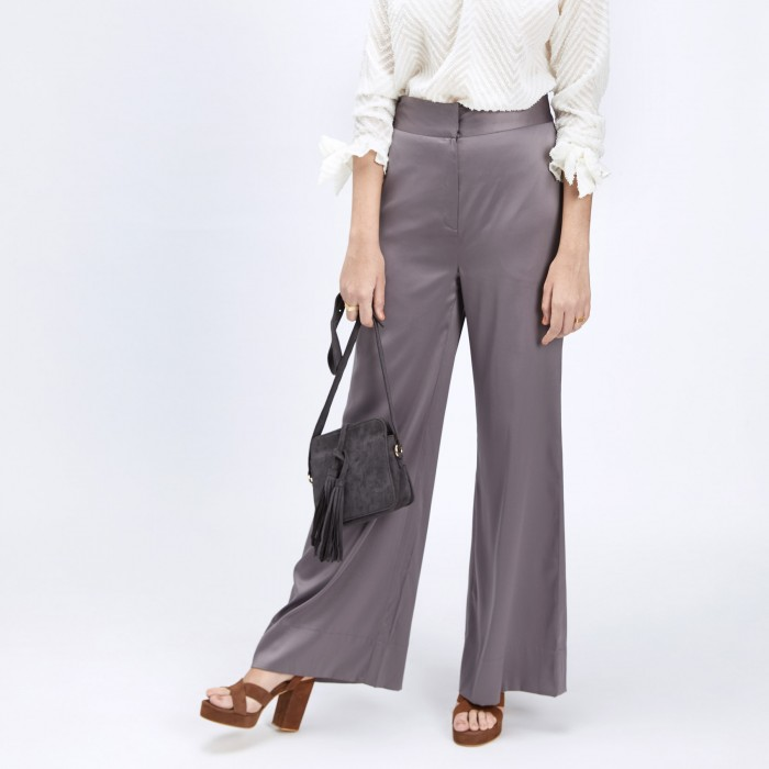 3 tips to wear wide leg pants  - grey flare trousers