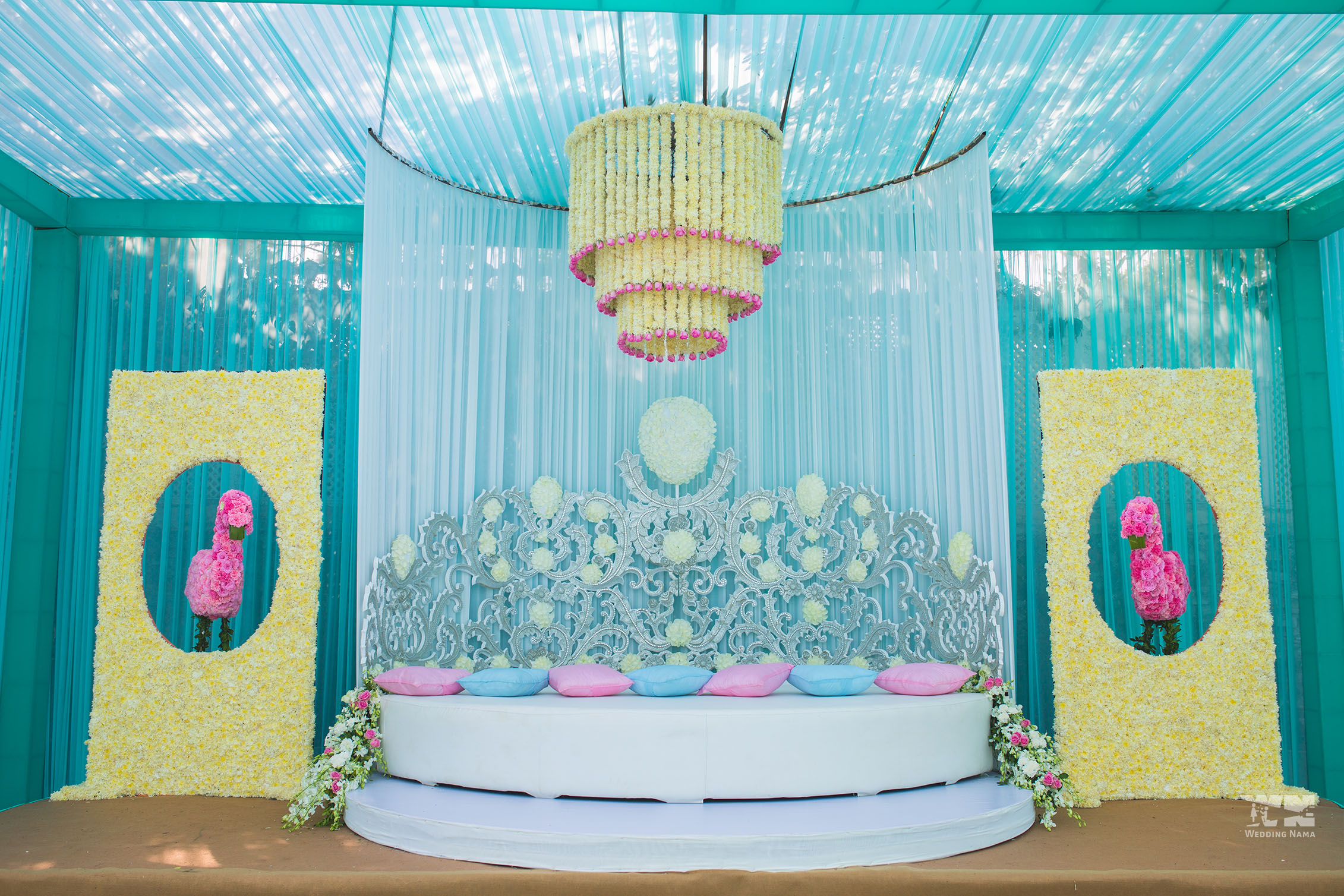 persian themed mehendi bride groom crown seating