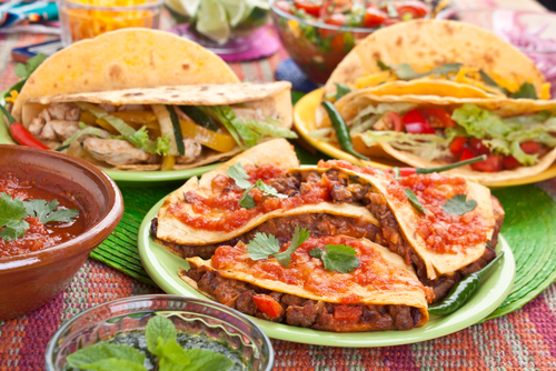 7 table manners around the world mexico