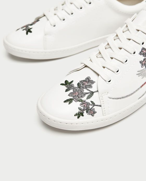 3 Internal embroidered sneakers Zara