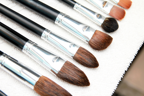 5 clean make up brushes clean brushes