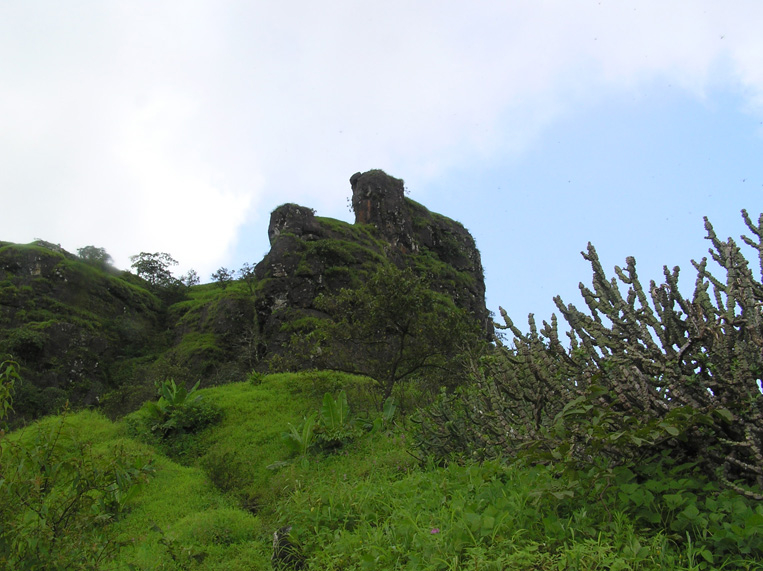 3 forts around mumbai - mahuli fort