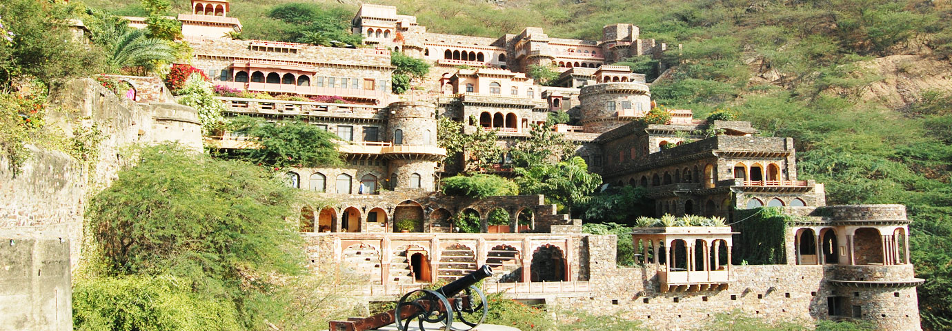 neemrana-fort-palace-head-316