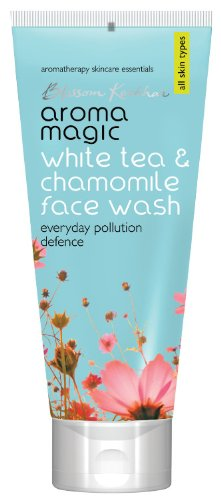 Blossom Kochhar White Tea and Chamomile Face Wash