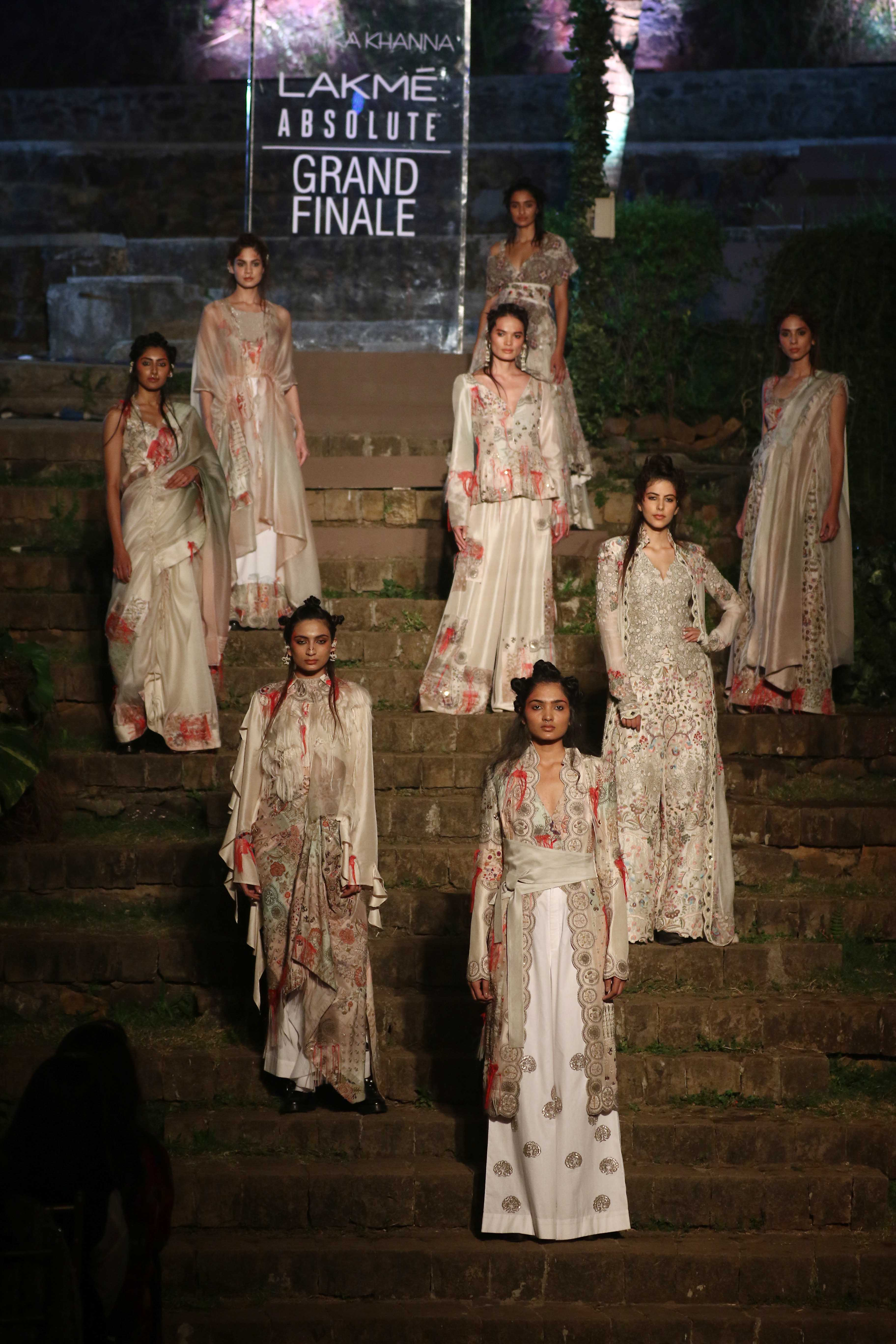 1 Lakme Absolute Grand Finale Summer Resort 2018 by Anamika Khanna