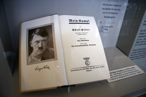100 books to read Mein kampf