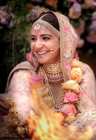 2 anushka sharma instagram screenshot berry lips makeup hair wedding marriage virushka