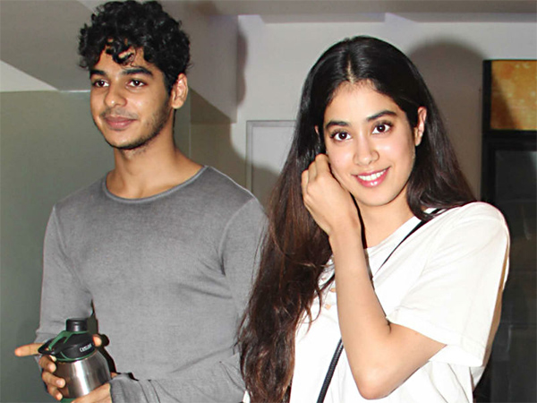3. Janhvi Kapoor   Ishaan Khattar hanging out after the shoot
