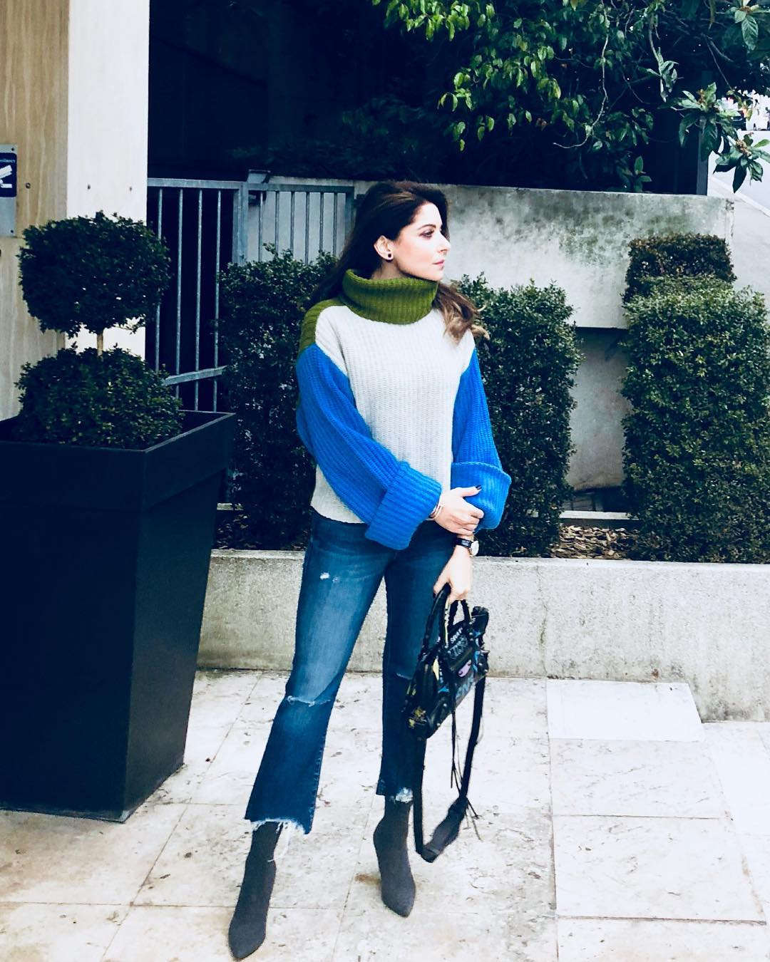 6 kanika kapoor - high neck sweater