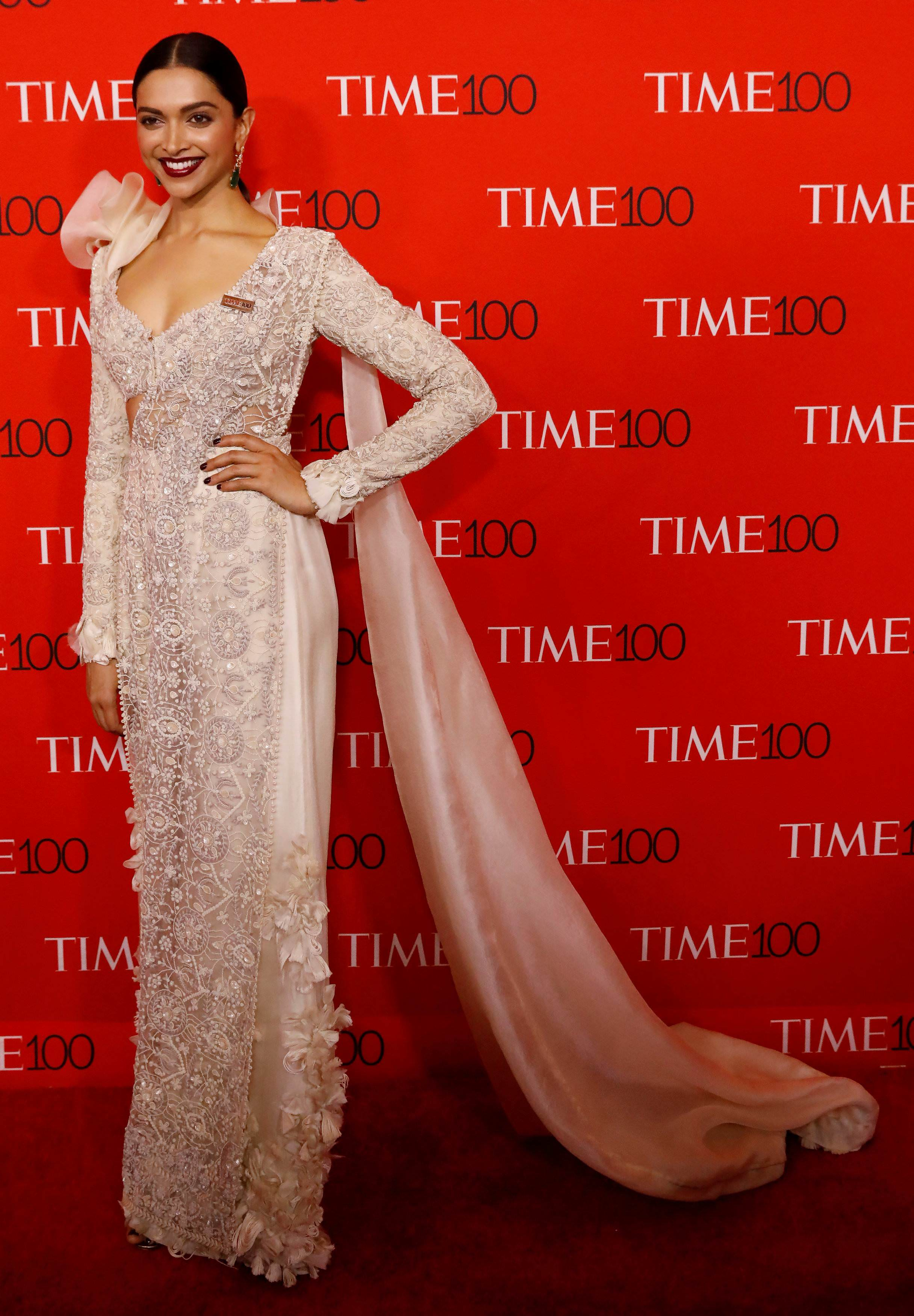 Anamika Khanna full two different designers made similar looks for deepika