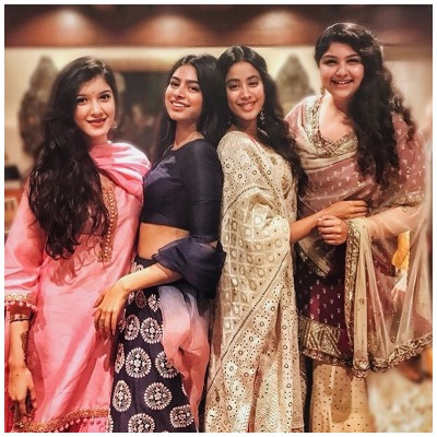 Janhvi Kapoor with sisters