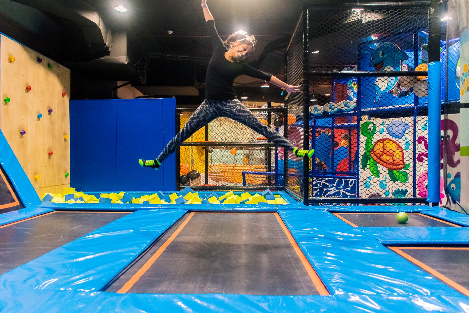 3 things to do in delhi - trampoline park