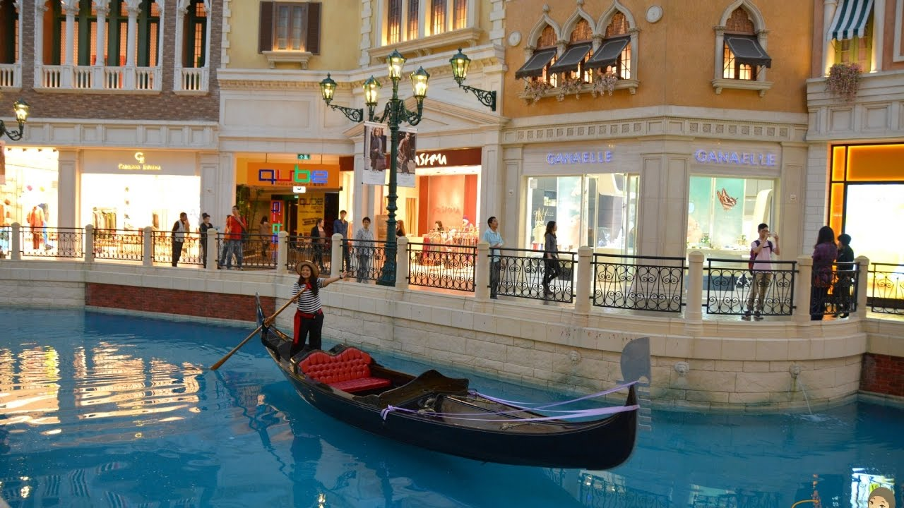 7 things to do in delhi - the grand venice mall