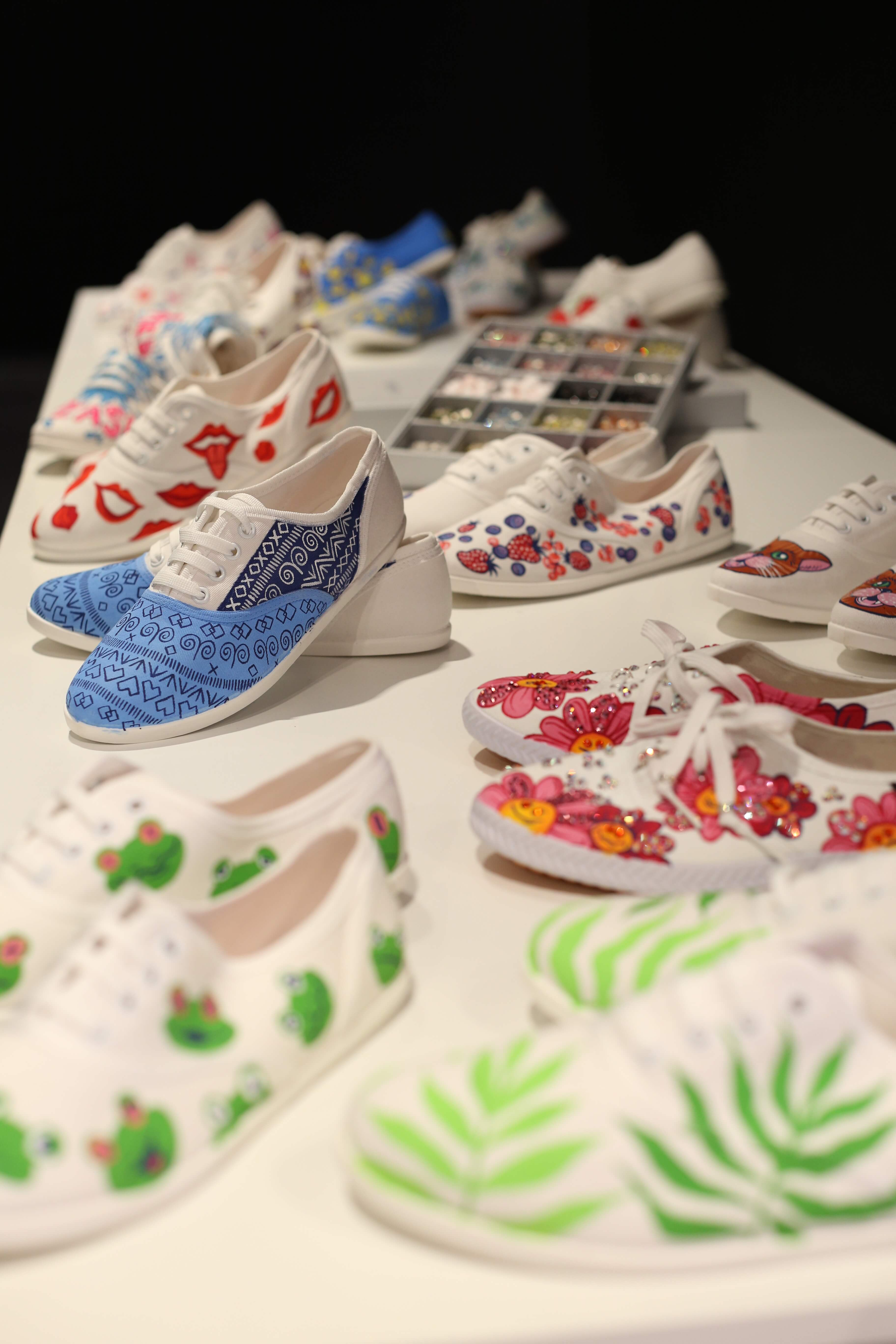 1 shoes - bata painted sneakers