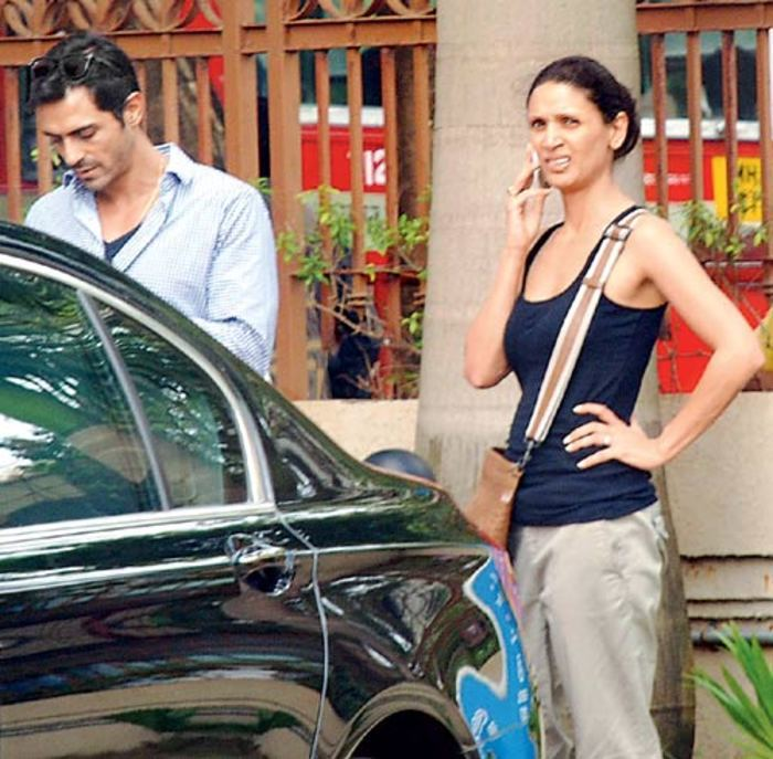 arjun rampal and mehr jessica getting in the car