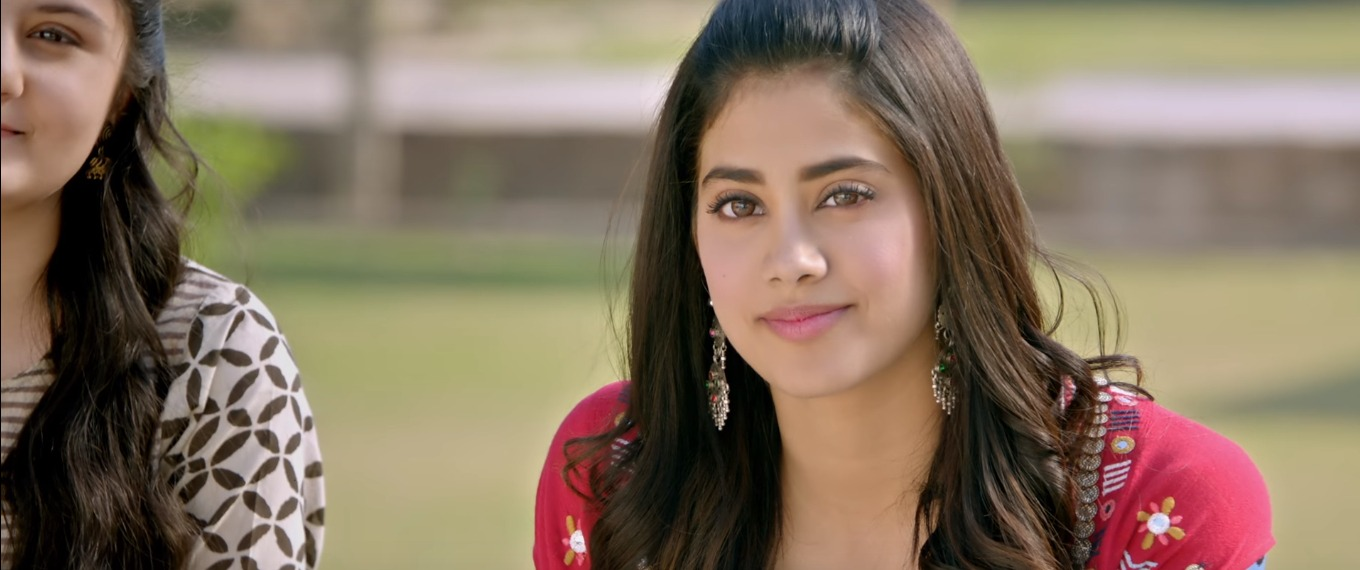 8 janhvi kapoor - first look of dhadak trailer