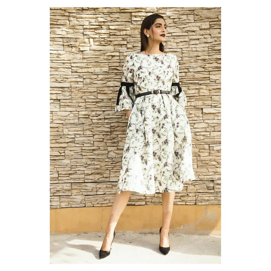 13 dresses - sonam kapoor white bell sleeves dress