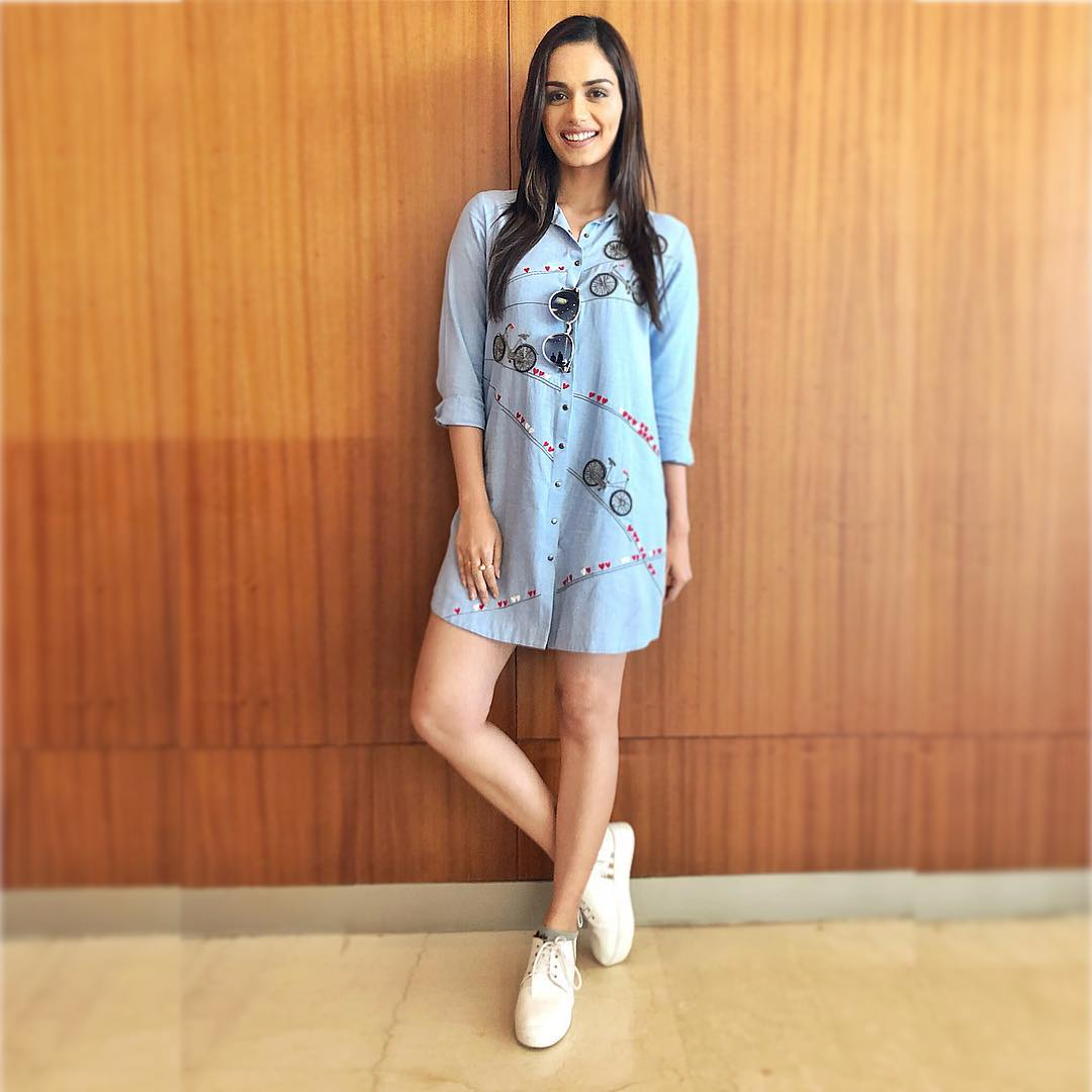23 dresses - manushi chhillar blue shirt dress