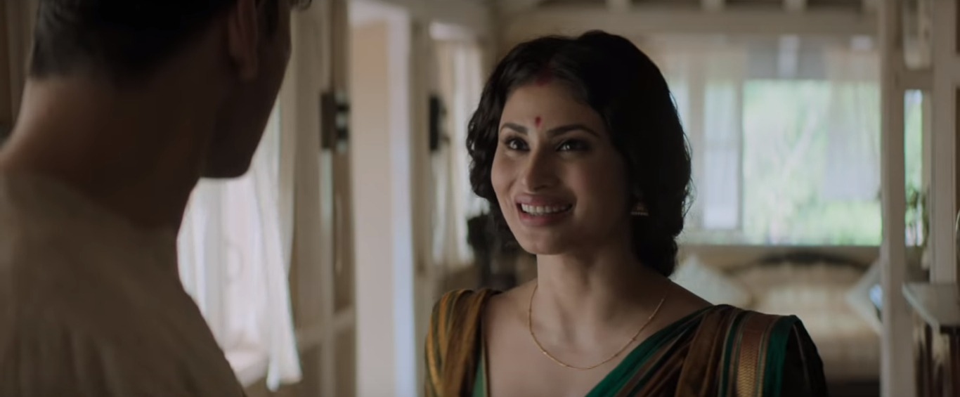 1 mouni roy gold - first look as bengali wife