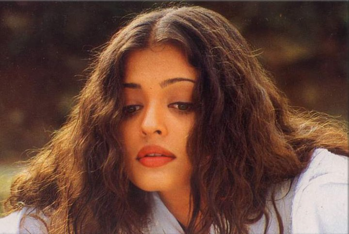 Aishwarya Rai Beauty Evolution internal 4
