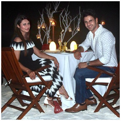 Divyanka and Vivek candle light dinner