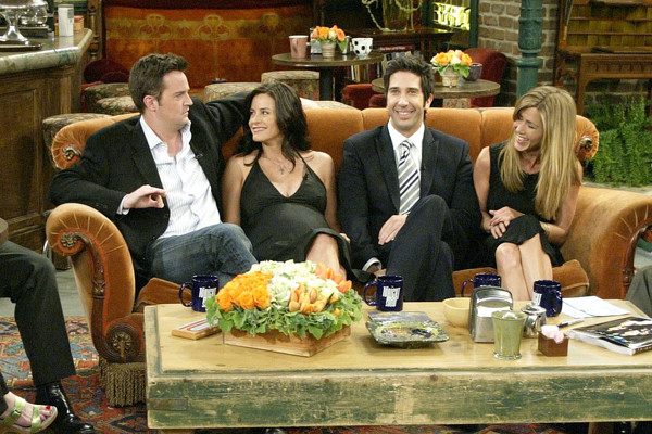 Courtney cox pregnant while shooting for friends