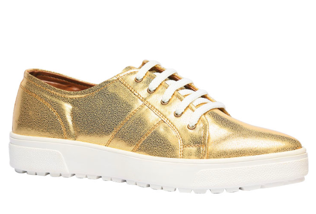 5 Shoes That Will Look Ah-mazing On The First Day Of College 3