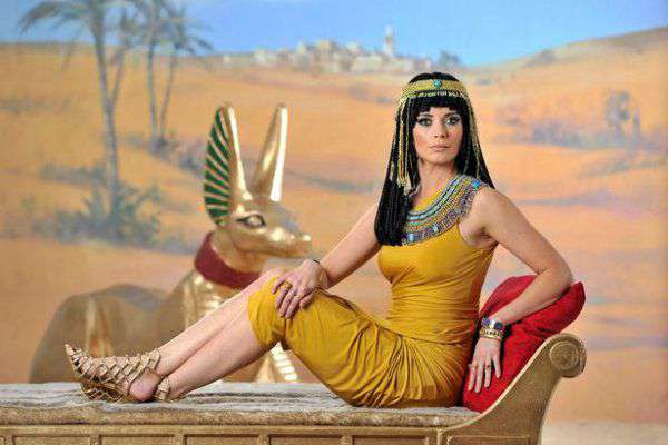 Queen of Egypt- history of cleopatra