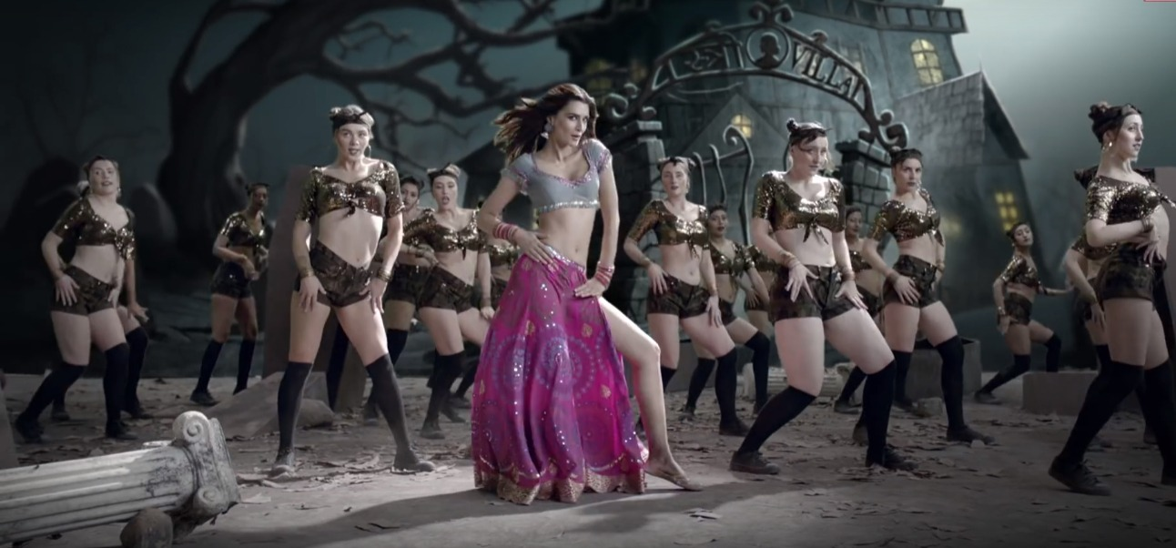 2 kriti sanon - pink lehenga in stree song
