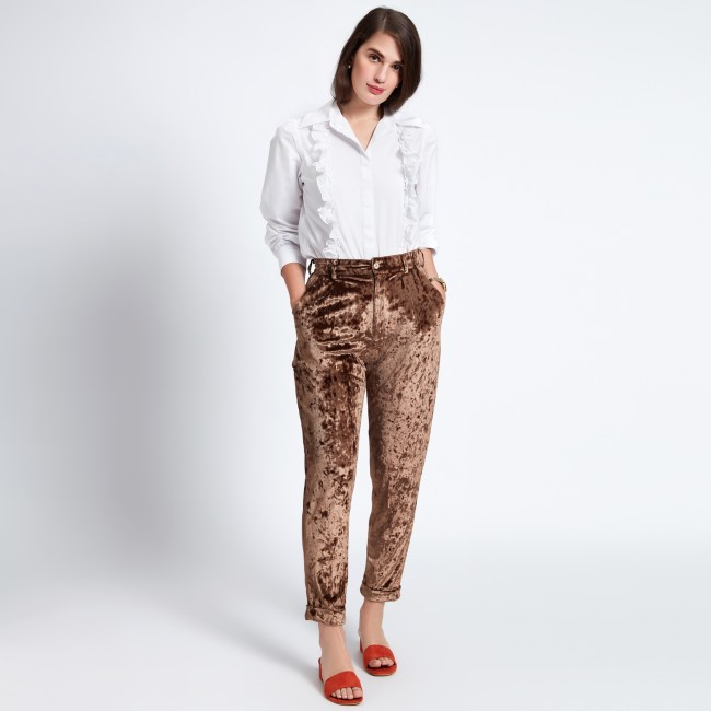 6 date night outfit - MOCHA VELVET PEG PANTS