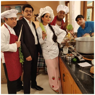 Shubhangi Atre as chef