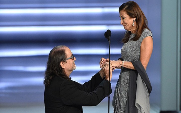 glenn-weiss-engaged-to-jan-svendsen-proposal-at-emmy-award-2018-1537242864