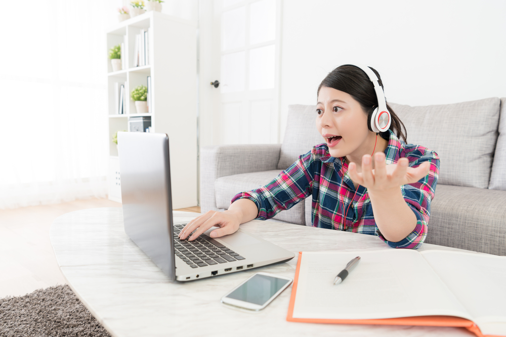 How to improve english - girl learning english from a website