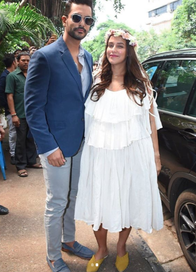 2- angad bedi and neha -neha dhupia looks like an angel at baby shower
