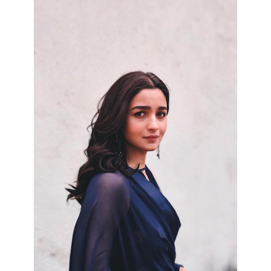 Alia bhatt for razi movie middle parting hairstyle