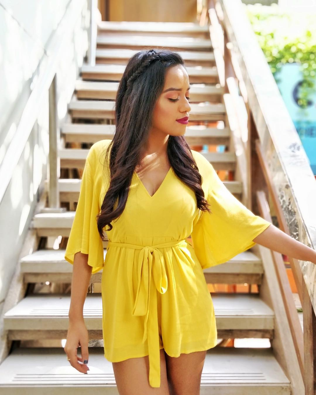 makeup for bright outfits  makeup  lipsticks  yellow dress  best  Matching your makeup  clothes 4
