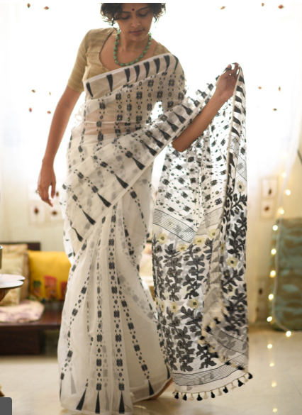 34-50-Saree-Designs-For-Diwali-90sjamdani-Suta