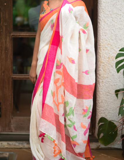 4-50-Saree-Designs-For-Diwali-linen-Suta