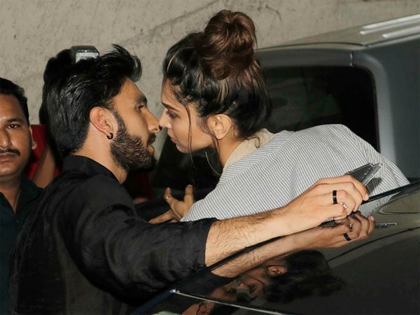 Adorable Pictures Of Deepika And Ranveer- See off kiss
