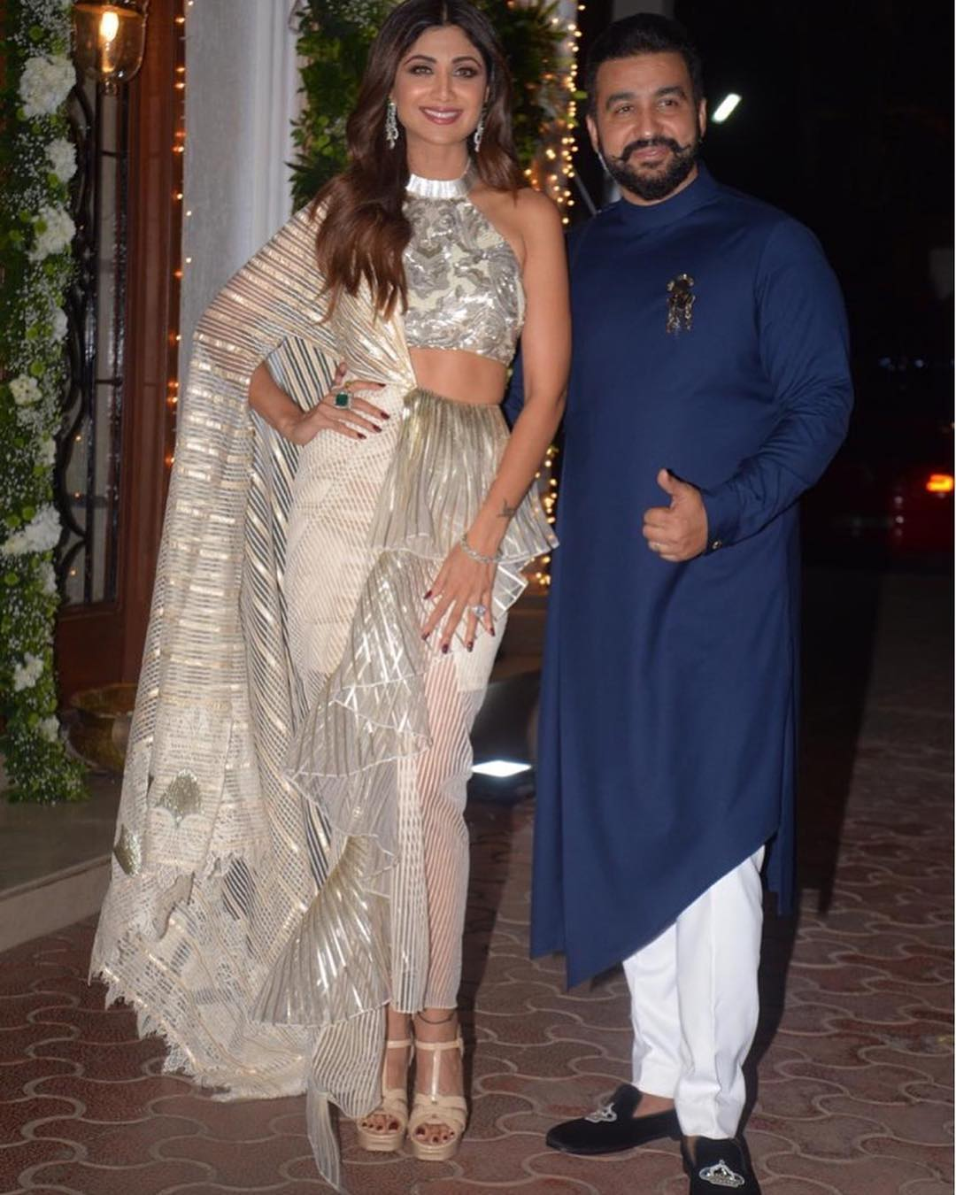 shilpa-shetty-raj-kundra-diwali-shilpa-shetty-ruffled-mermaid-saree