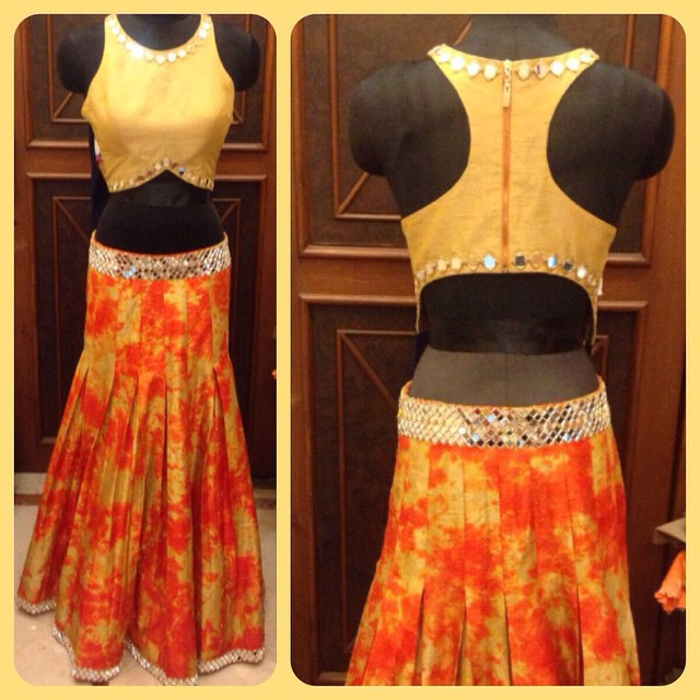 racerback saree blouse back design